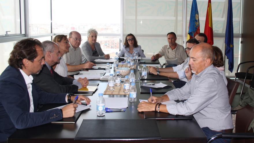 La secretaria autonómica Sandra Casas reunida con los representantes de Aerte