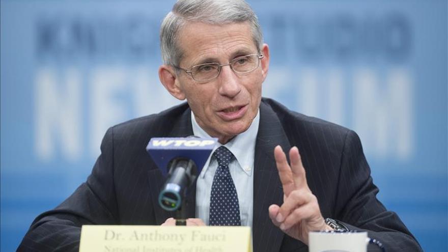 Una vacuna experimental contra el ébola supera con éxito la primera prueba en humanos