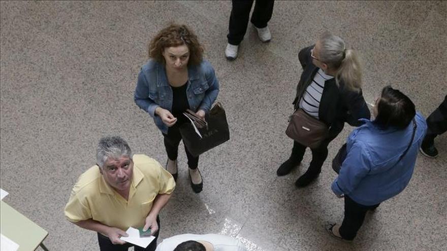 La candidatura ciudadana Compostela Aberta irrumpe en la capital gallega como lista más votada