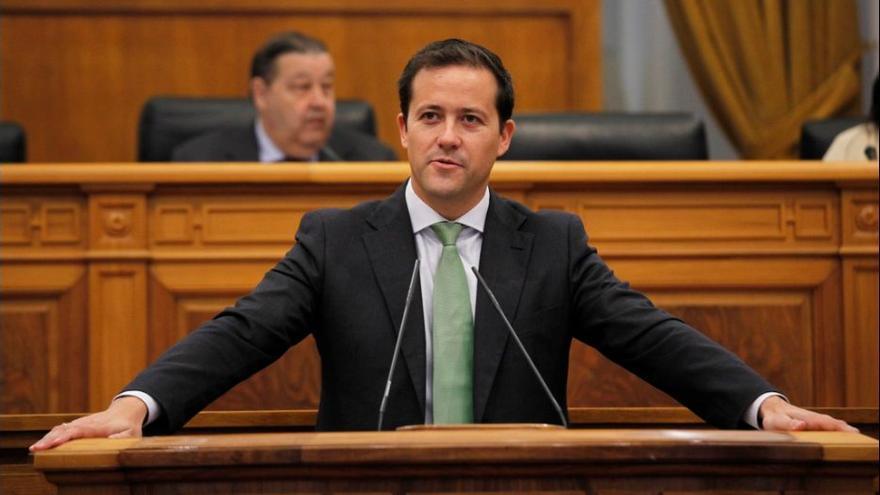 Carlos Velázquez, en el pleno de las Cortes de Castilla-La Mancha