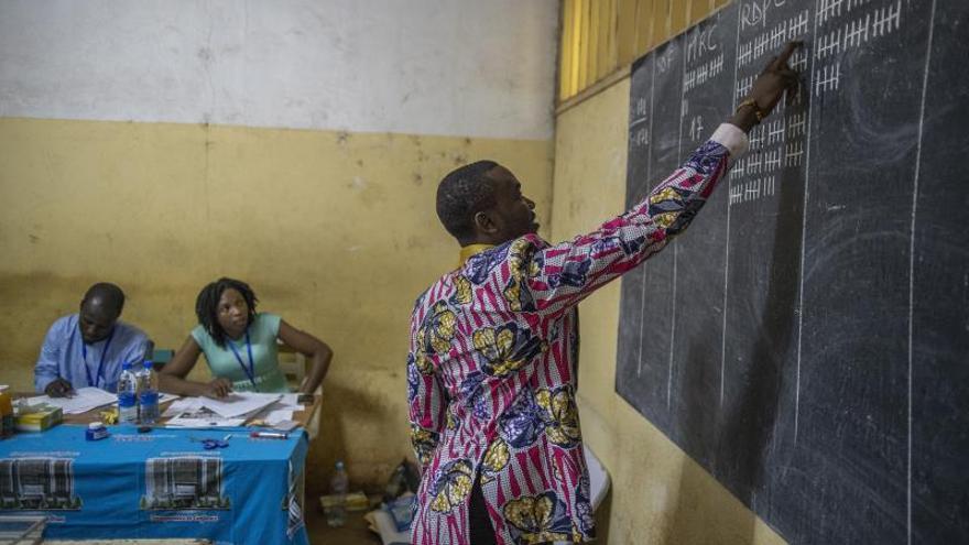 El opositor Maurice Kamto se autoproclama ganador de las elecciones de Camerún