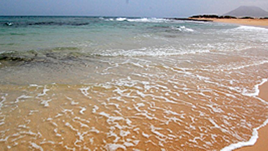 El clima, la tranquilidad y las playas son los principales atractivos de Canarias para los turistas