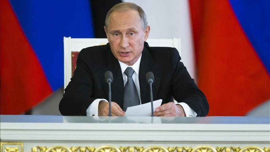 Putin acusa a Kiev de incumplir cuatro puntos de los Acuerdos de Minsk