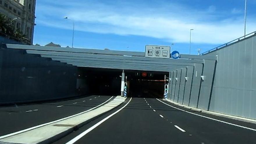 Entrada sur al túnel de la Vía Litoral de la capital tinerfeña