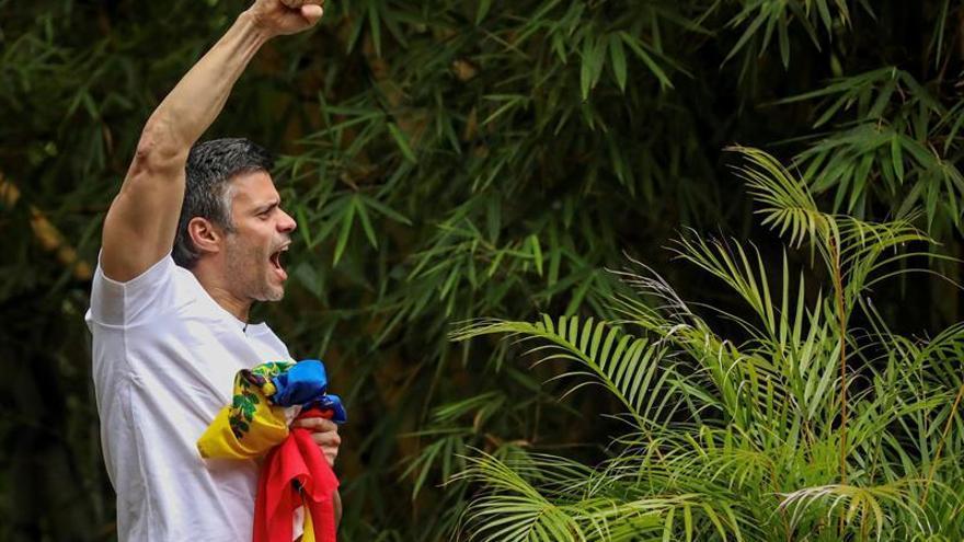 Rajoy habla con Leopoldo López y le felicita por el coraje demostrado