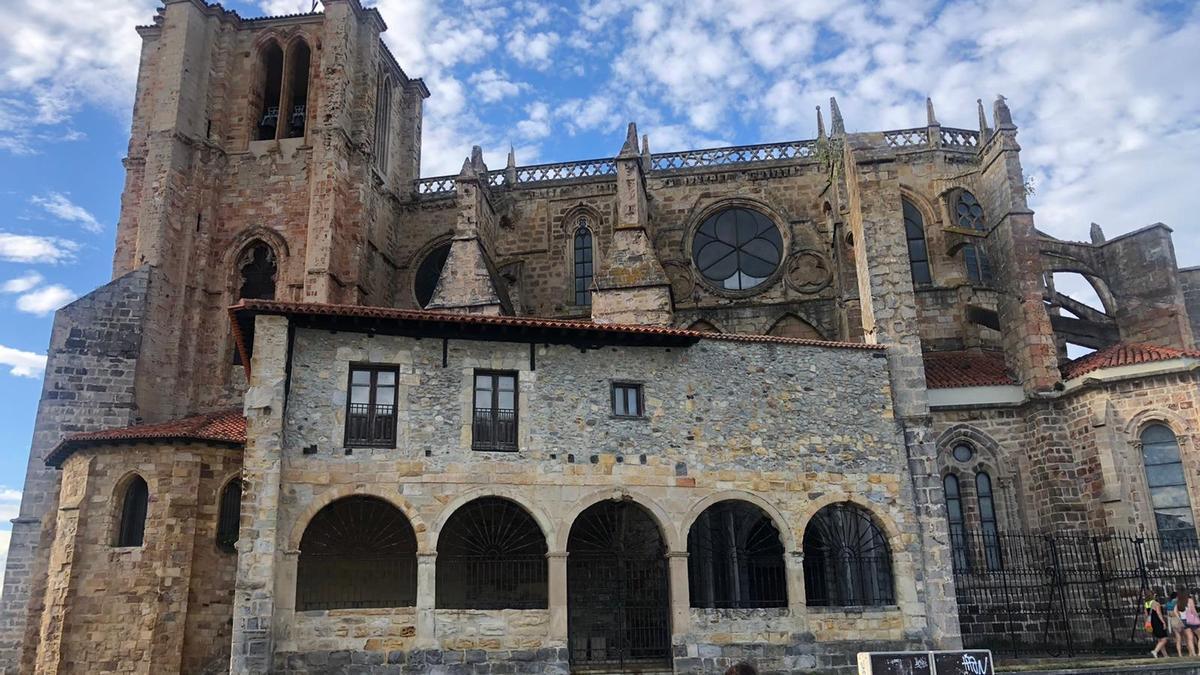 Iglesia de Santa María en Castro Urdiales, uno de los vienes inmatriculados por la Iglesia.