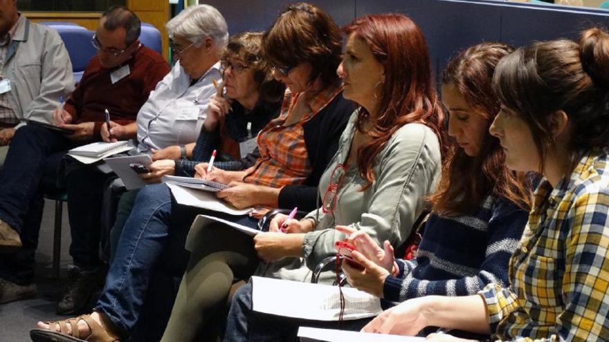 Algunos de los miembros de la plataforma de apoyo a la querella argentina contra crímenes del franquismo