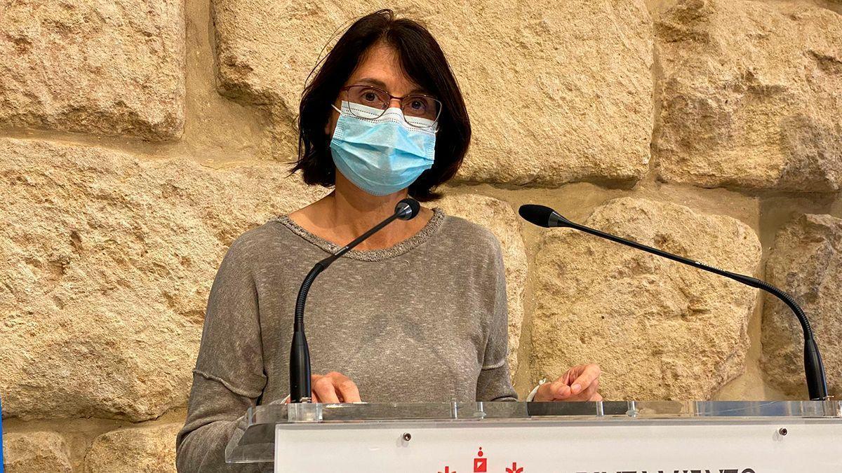 La concejala de IU Amparo Pernichi, en la rueda de prensa.