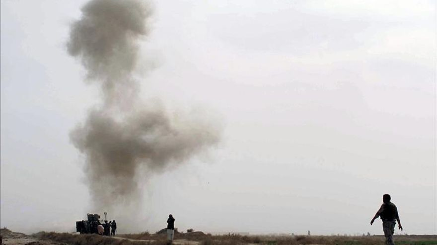 Talibanes afganos niegan conversaciones con EEUU en Catar para un acuerdo de paz