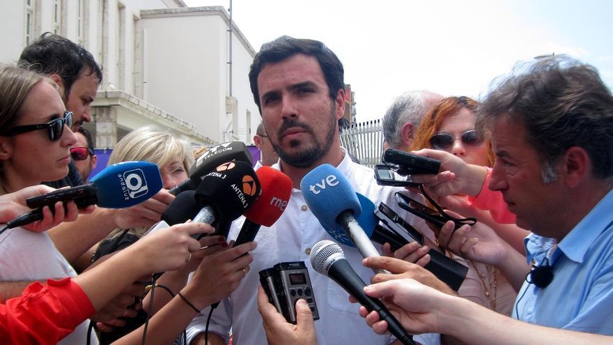 """Garzón (IU) dice que """"la batalla está muy abierta"""" y que """"la gente premiará a las candidaturas de unidad popular"""""""