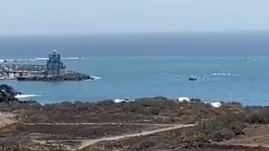 Una patera al suroeste de Tenerife eleva a 206 los migrantes rescatados este lunes