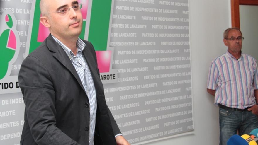 Fabián Martín, en la rueda de prensa que dio para anunciar su salida de la presidencia del PIL (DE LA CRUZ/DIARIO DE LANZAROTE)