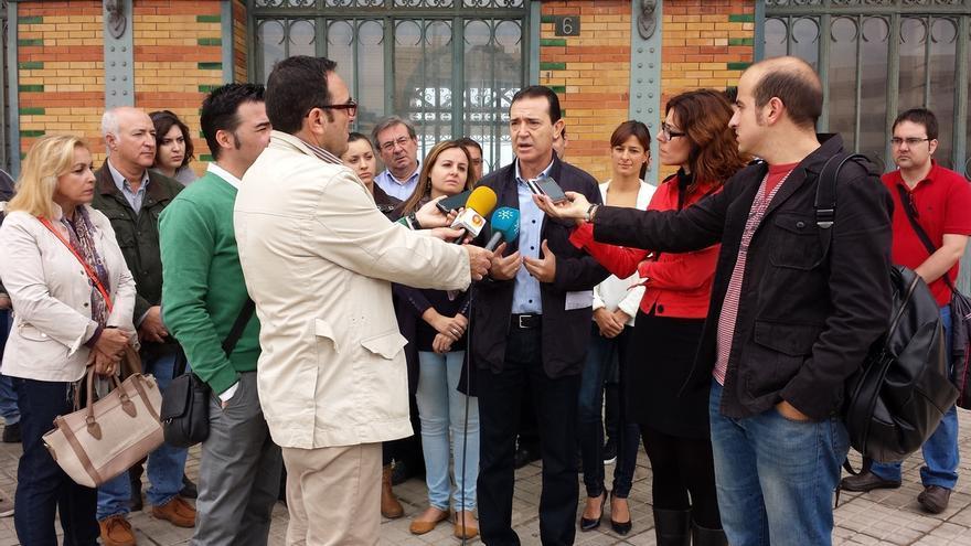 """PSOE-A: """"Si Rajoy tiene una patata caliente en Extremadura con Monago, Moreno tiene otra en Almería con.."""
