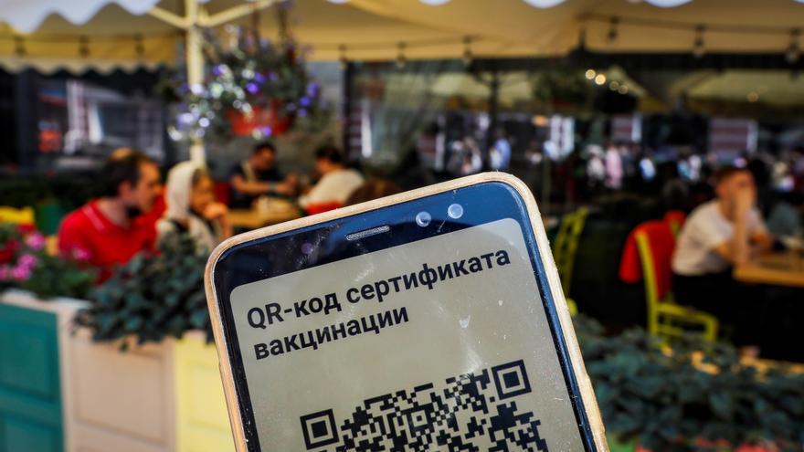 Moscú y San Petersburgo suman nuevos máximos de fallecidos por covid-19