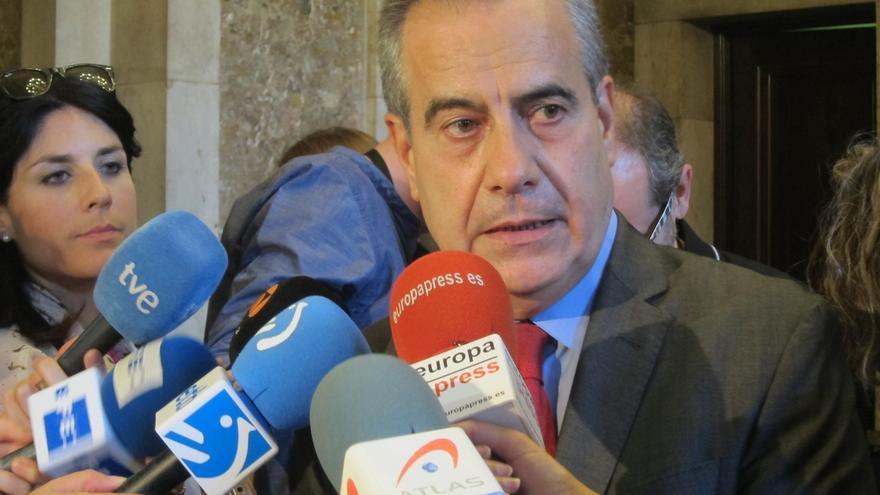 """El exministro Celestino Corbacho recuerda a Chacón como """"mujer de referencia"""" del socialismo"""
