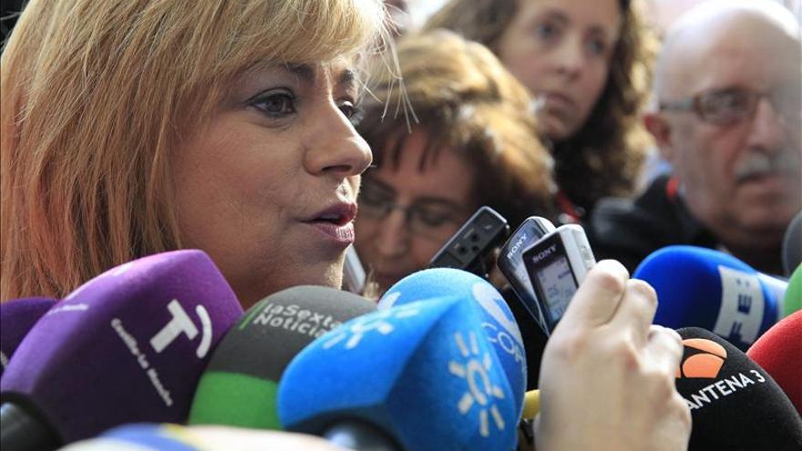 """Valenciano dice que rebajar los avales para las primarias """"formaba parte del plan"""""""