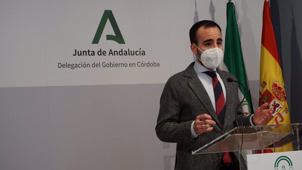 El delegado de Empleo, Ángel Herrador, en rueda de prensa.