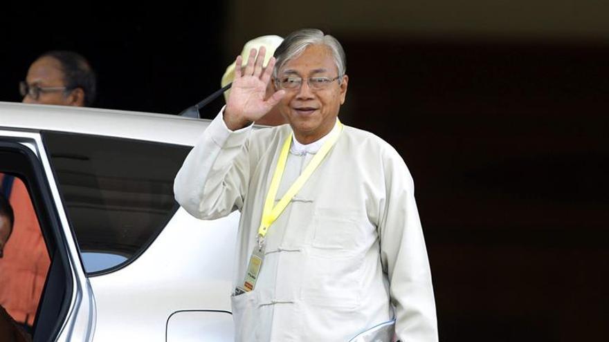 El Parlamento birmano elige presidente a Htin Kyaw, mano derecha de Suu Kyi