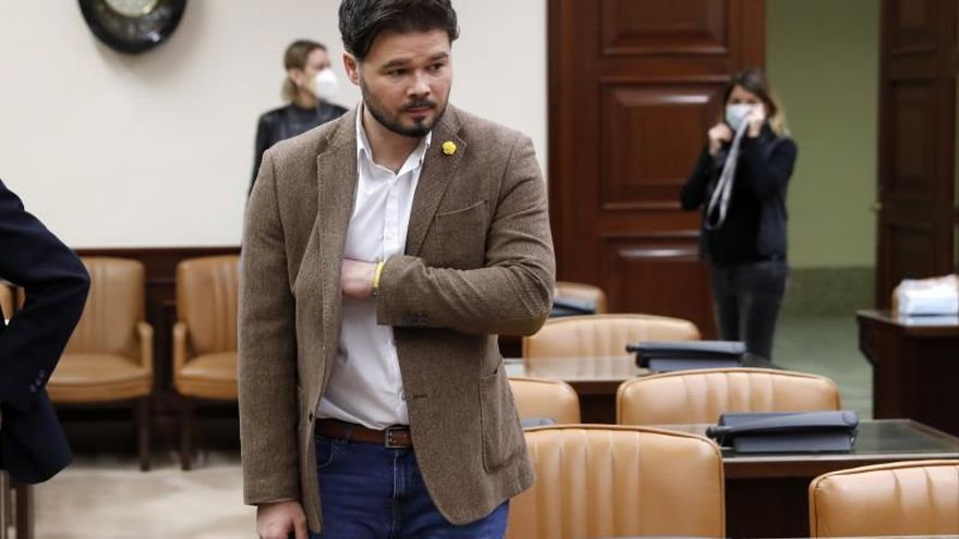"""Rufián critica al Gobierno por """"no devolver competencias"""" a las autonomías"""