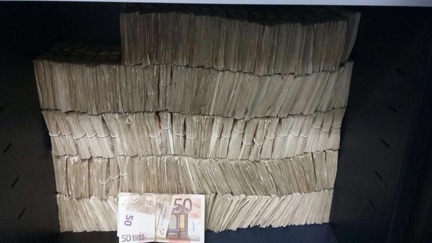 Cuatro discotecas y pubs de Canarias, investigados en una 'macrooperación' contra el fraude fiscal