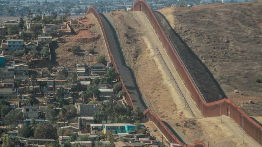 EE.UU. cancela los proyectos del muro y atenderá a las comunidades fronterizas