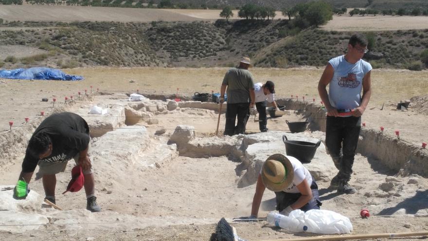 Excavaciones en el foro de la ciudad romana de Caraca (Driebes)