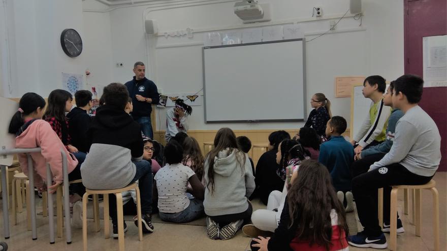 Asamblea de inicio del día en la clase de Sexto del Octavio Paz
