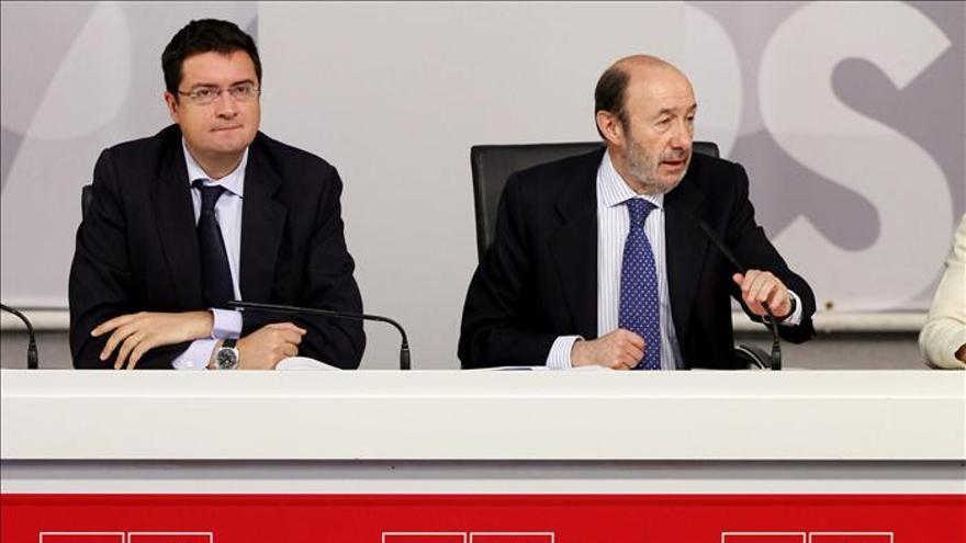 El PSOE propone repartir al 50 por ciento entre Estado y CCAA el nuevo margen de déficit