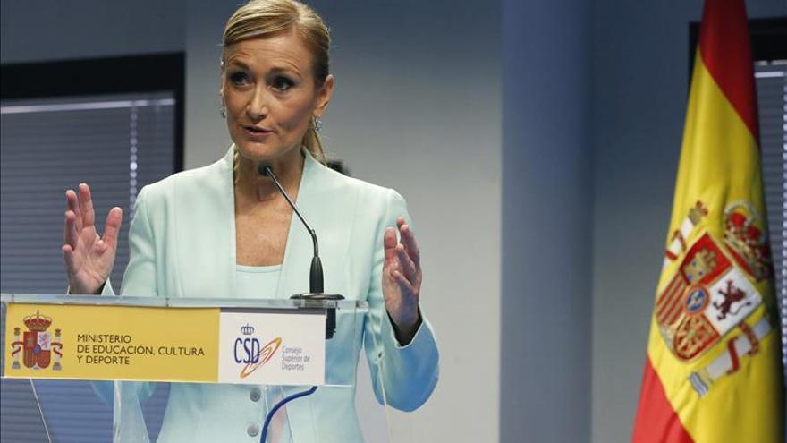Cristina Cifuentes volverá al trabajo en diciembre tras su accidente de moto