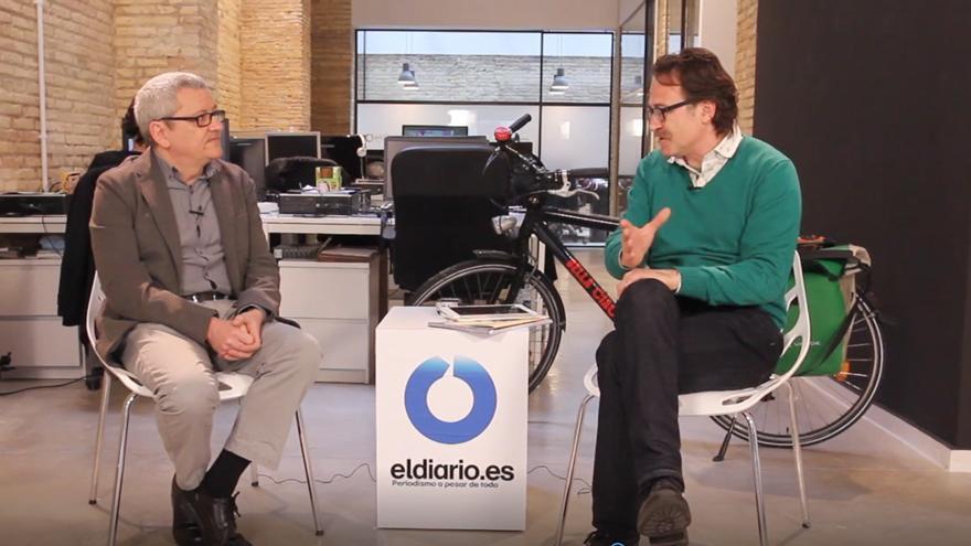 El director de eldiariocv.es, Adolf Beltran, entrevista al concejal valenciano de Movilidad, Giuseppe Grezzi