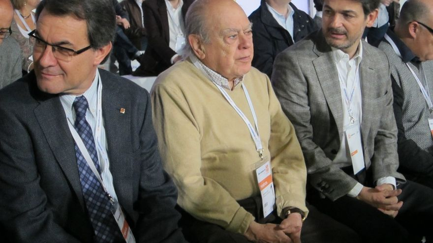 Jordi Pujol, acompañado de su hijo político, Artur Mas, y de su hijo real, Oriol Pujol.