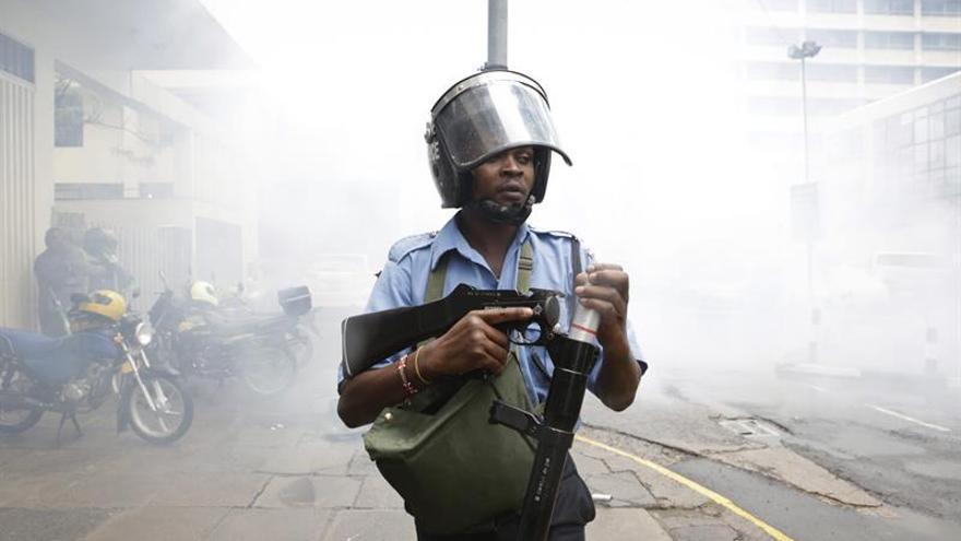 La policía libera la residencia del vicepresidente de Kenia tras matar al asaltante