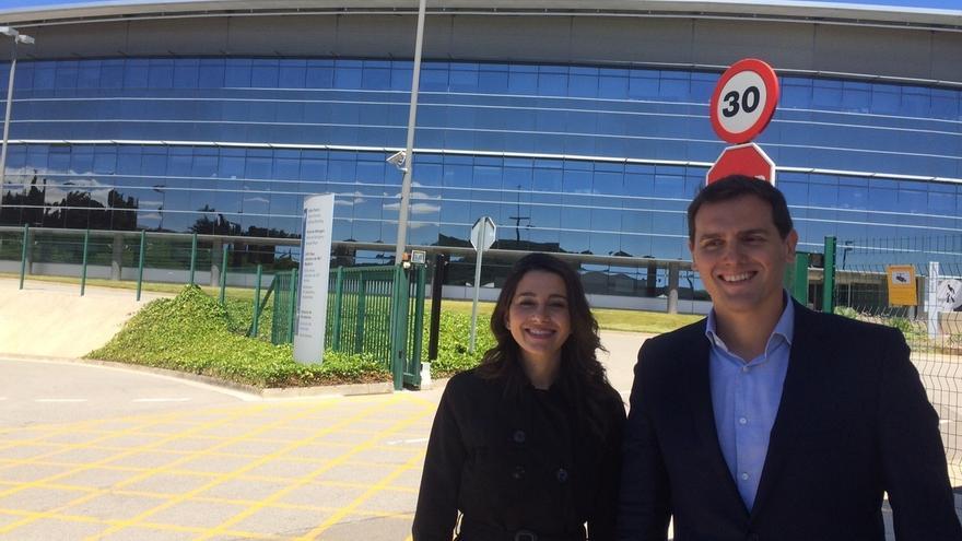 """Rivera pide al Gobierno aparcar el """"pasteleo"""" y acusar a CDC en el caso Palau"""