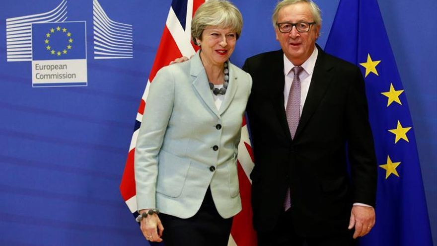 """El Reino Unido da """"garantías"""" a los comunitarios tras el acuerdo del """"brexit"""""""