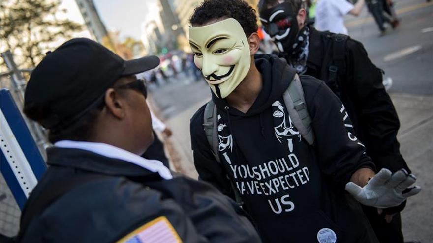"""En libertad 48 detenidos durante la manifestación en Londres de """"Anonymous"""""""