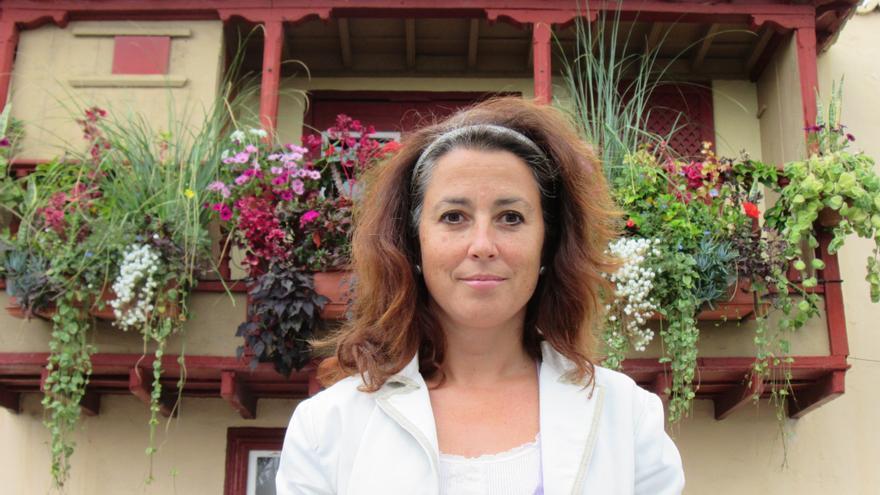 En la imagen, Elvira Méndez en los balcones de la Avenida Marítima. Foto: LUZ RODRÍGUEZ