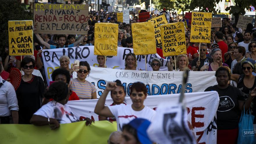Protesta de portugueses por el precio de la vivienda