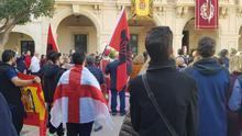 Banderas preconstitucionales y falangistas en el Día del Pendón de Almería