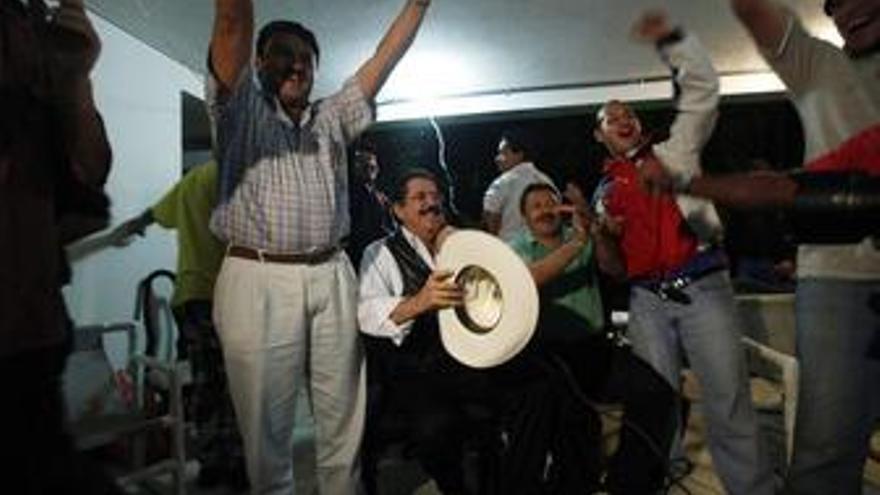 Los representantes de Zelaya y del Gobierno 'de facto' no se reunieron porque querían ver fútbol