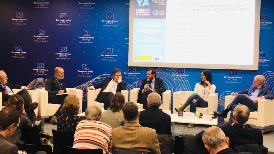 El alcalde de Valladolid, Óscar Puente, ha participado en la mesa 'Políticas económicas de los gobiernos locales frente al cambio climático'