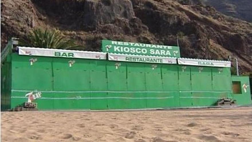 Imagen de archivo con un quiosco radicado dentro de la playa