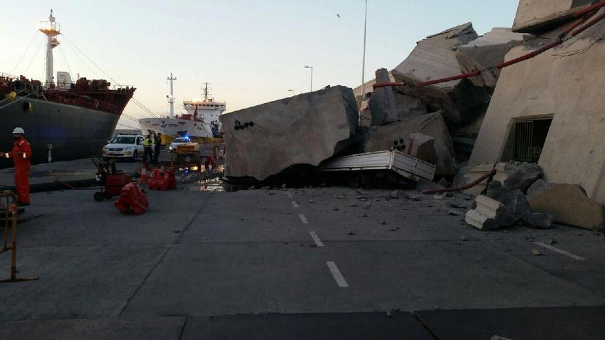 Deperfectos en el Puerto de La Luz y de Las Palmas al colisionar un ferry contra un muro