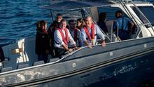 Fernando Clavijo en su visita al primer aerogenerador marino de España