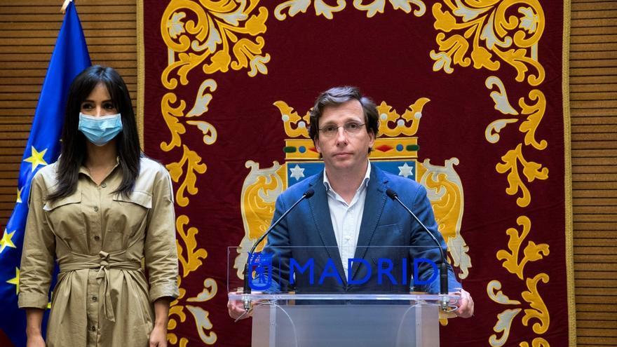 Almeida y la oposición acuerdan blindar las viviendas públicas para que no sean vendidas y una nueva red de bulevares