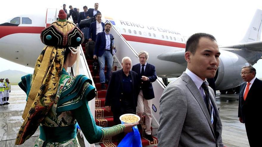 Margallo llega a Ulán Bator para asistir al Foro Asia-Europa