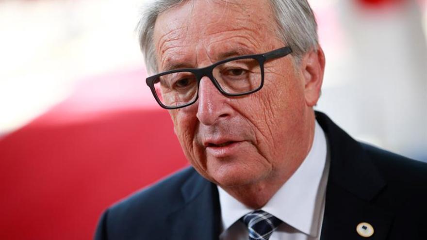 Juncker subraya el apoyo de la CE a las Cortes y al Tribunal Constitucional