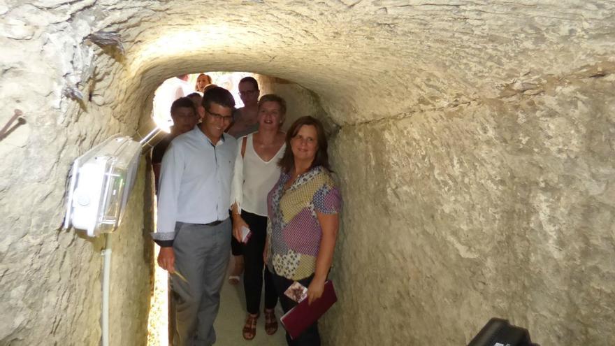 Imatge de l'interior restaurat del refugi antiaeri de Tortosa i Delgado