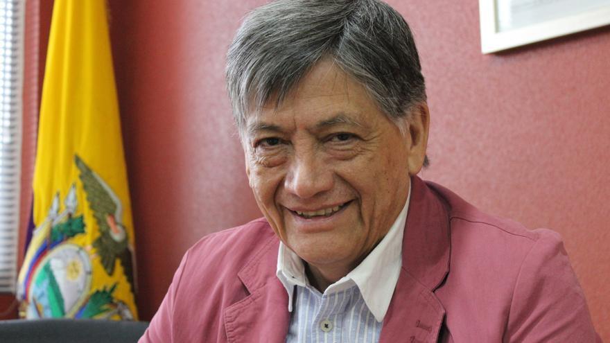 El embajador de Ecuador en España, Miguel Calahorrano, en el Consulado de su país en Murcia / PSS