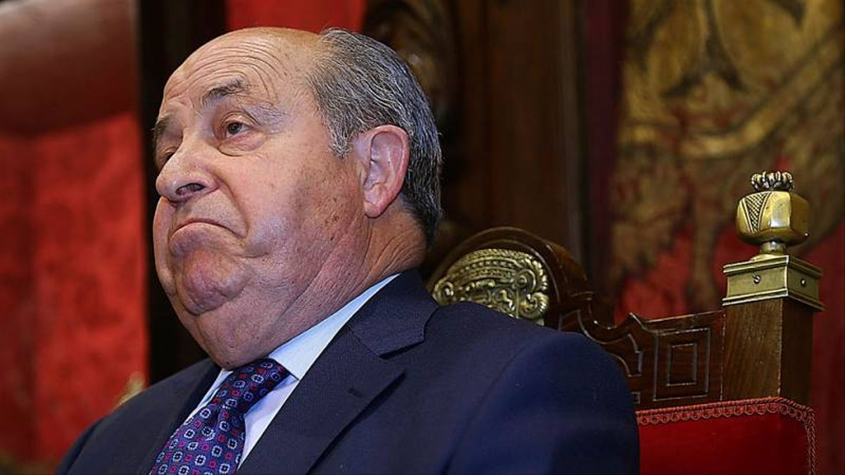 Tras la posterior dimisión de Torres Hurtado (PP), la inestabilidad política se ha apropiado del Ayuntamiento de Granada