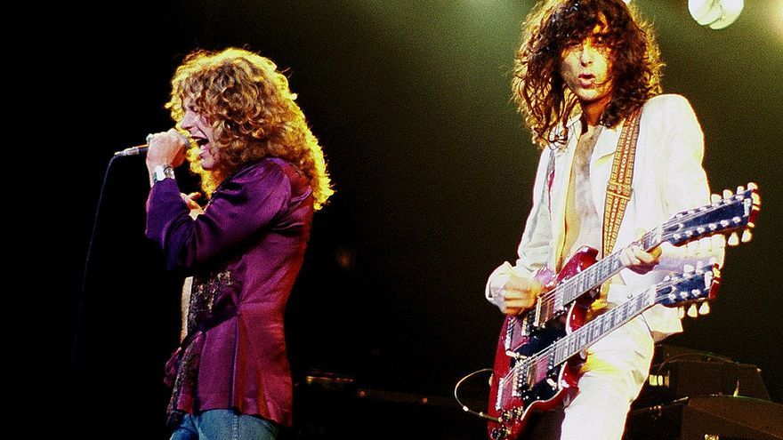 Jimmy Page y Robert Plant durante un concierto en Chicago en 1972